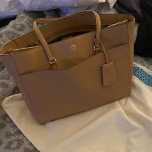 Tory Burch Robinson Tote Bag!  Like New!